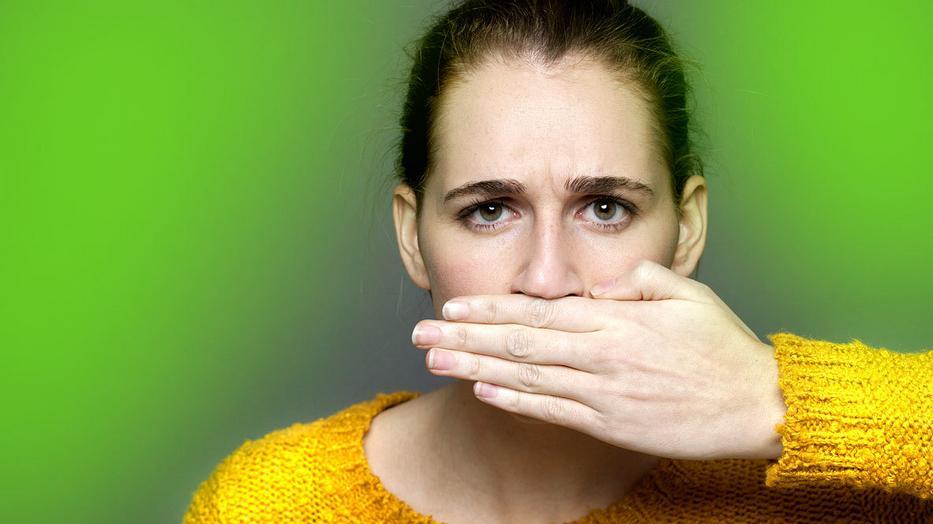 a szájból ellenőrizheti a szagot