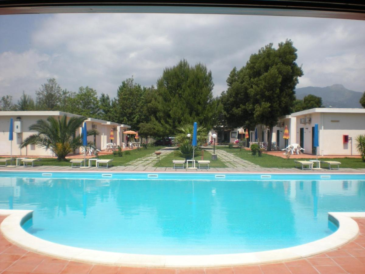 Giardini naxos foto, Amit kínálnak