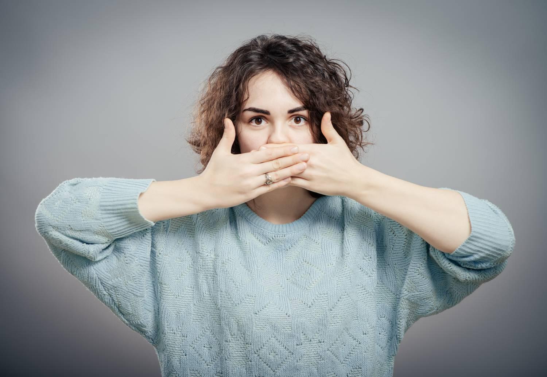 szagok a szájból, hogyan lehet eltávolítani a szagot